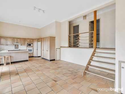 House - 1/90 Riviera Avenue...