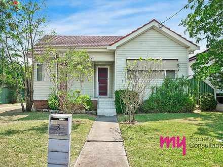 House - 3 Doncaster Avenue,...