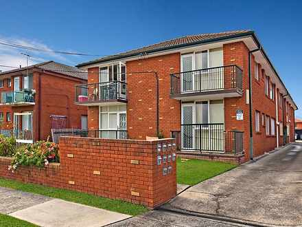 Unit - 1/8 Yangoora Road, B...