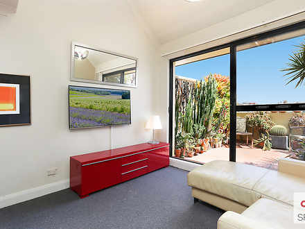 Apartment - 45/558 Jones St...