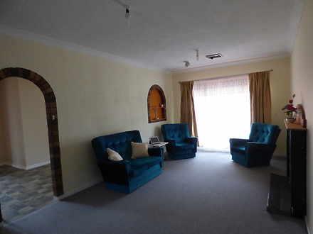 576c7a4233b339a2d148f3e0 9 lounge room 4475 5e4b2f53de530 1581986189 thumbnail