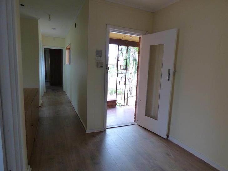 Fe9873208b3ca33c3504c1e1 1 hallway to bedrooms bathroom 4406 5e4b2f4ea44b1 1581986195 primary