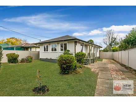 House - 121 Maple Road, St ...