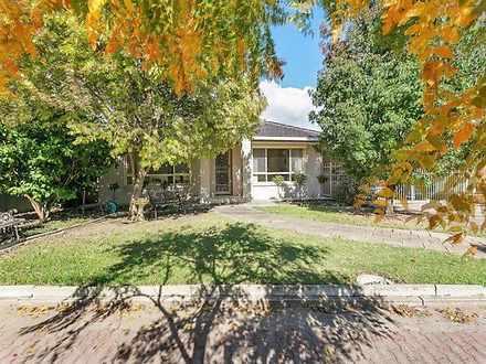 House - 54 Langman Grove, F...