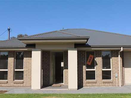 House - 14 Raphael Crescent...