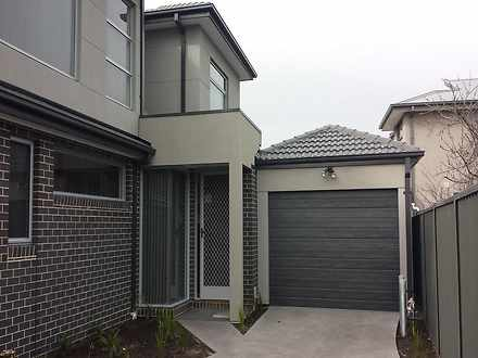 Townhouse - 3/10 Scovell Cr...