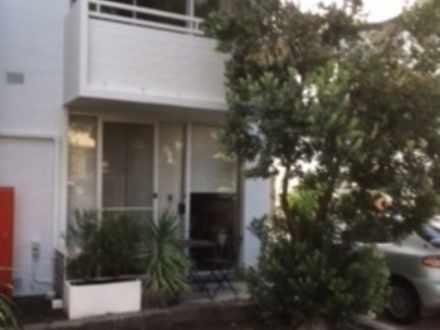 Apartment - Carlton North 3...
