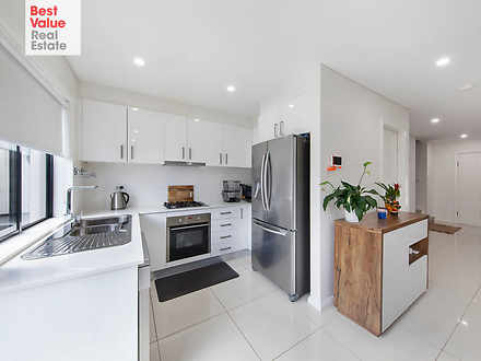Townhouse - 2/144 Adelaide ...
