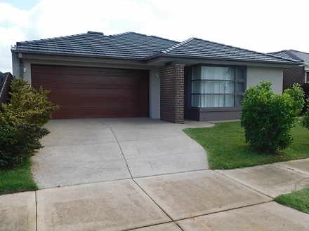 House - 33 Fisher Court, We...