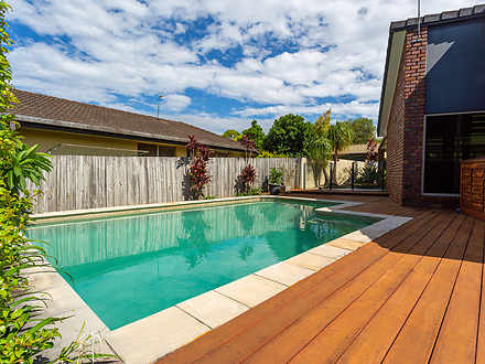 House - 9 Beecroft Place, R...