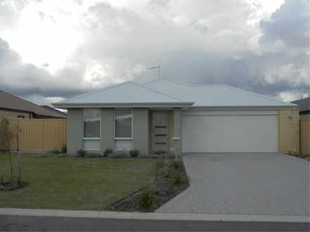 House - 5 Boorn Green, Byfo...