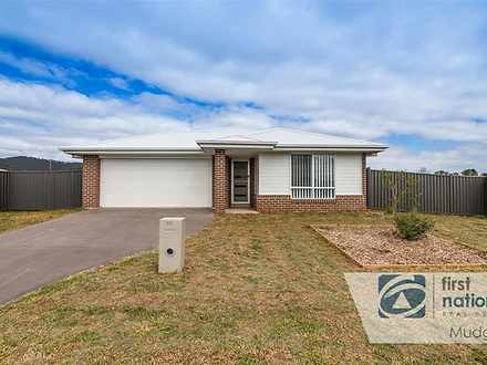 House - 28 Knox Crescent, M...