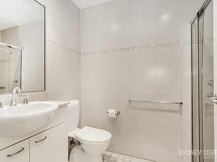 822f92040b9605abc7a0ee17 bathroom 1584596269 thumbnail