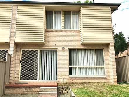 Townhouse - 8/12 Pine Road,...