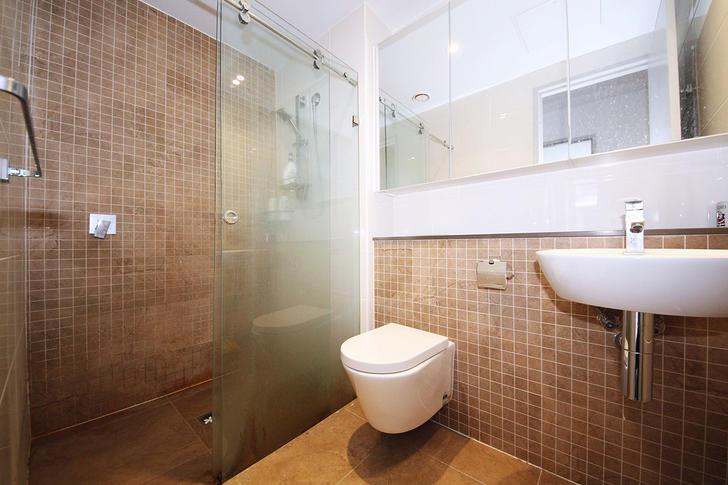 127f1092109dc9cc52a761e2 06 main bathroom 1002 5a53091036922 1583736357 primary