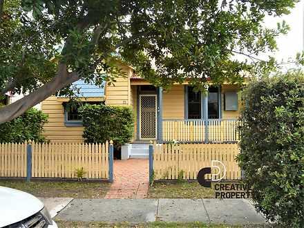 House - 71 Douglas Street, ...