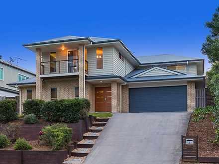 House - 4 Charles Glen Stre...