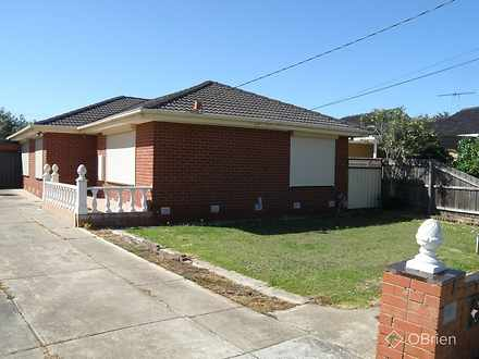 House - 12 Mapledene Court,...