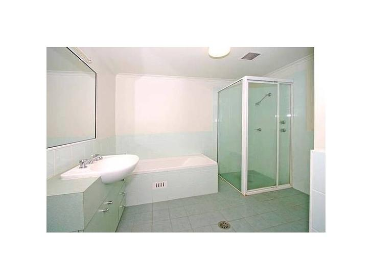 C84ca7d6fbe3f3a9438dab04 8652 35.30bathroom 1584819899 primary