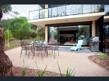House - 4/1587 Point Nepean...