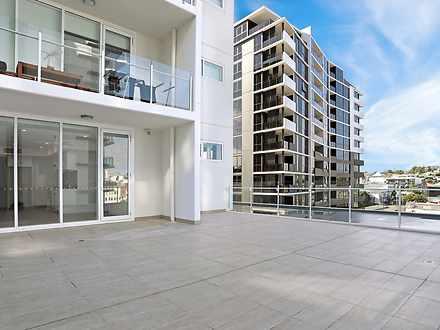 673d51b66b7e2b9a9384bb6c 18696 balcony2 1585700227 thumbnail