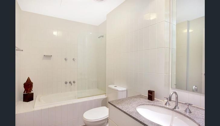 861ae27a1a7f106ef6fb0997 bathroom 1 5152 5e7022bf0e3ab 1584407350 primary