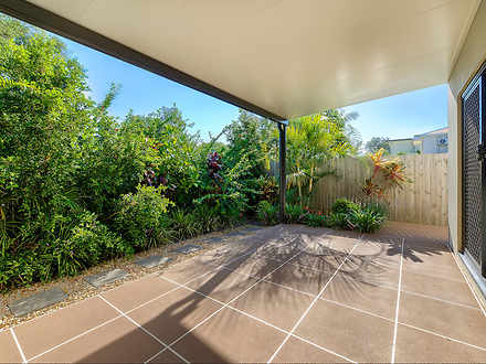 Townhouse - 2/68 Gillies St...
