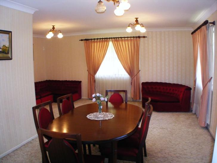 Cbb4c2ed2b618dd075f35dee 2834 diningroom 1585023313 primary