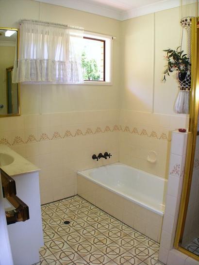 E12daf407d08d9a3d6cb64c1 5081 bathroom 1585023366 primary