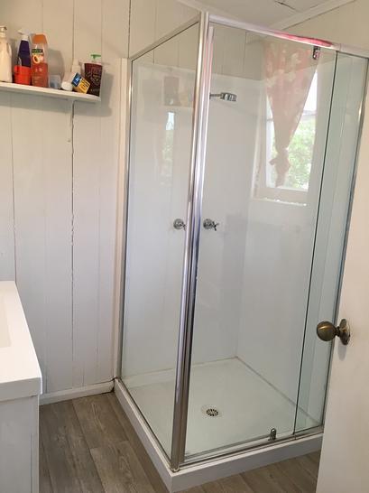 E3cbdd4c9c4072d40e3ce796 bathroom photo 4712 5e72fa63705c8 1584596241 primary