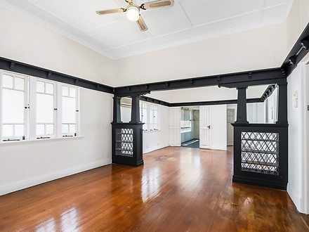 House - 33 Lockyer Street, ...