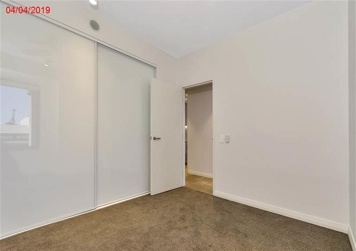 5b301be3dcf63ebd3b754008 23032 bedroommasterview 1584625289 primary