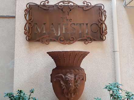 Majestic 1584681525 thumbnail