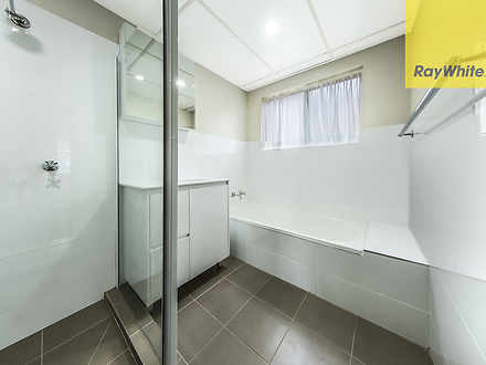 D0de918697d1181de706cdfc 6535 bathroom1unit12queensrd 1584929697 thumbnail