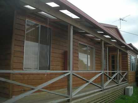 House - 89 Gravelly Beach R...
