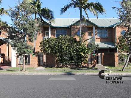 House - 3/35 Hereford Stree...