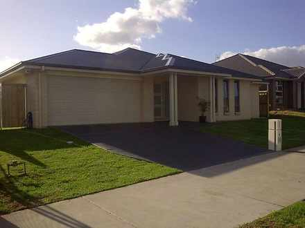 House - 18 Oystercatcher St...