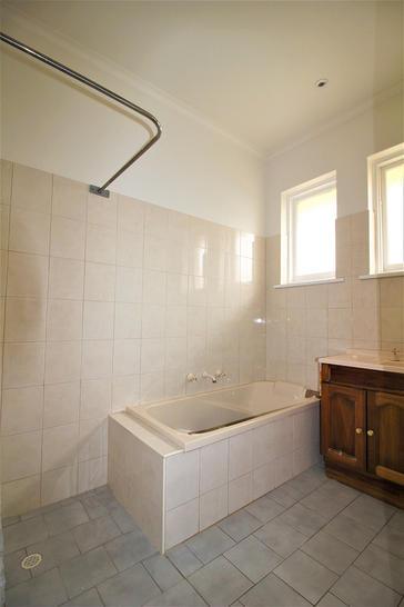 Fb530af9742bfc7e3c63a36e 16673 bathroom 1585027010 primary