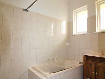 Fb530af9742bfc7e3c63a36e 16673 bathroom 1585027010 thumbnail