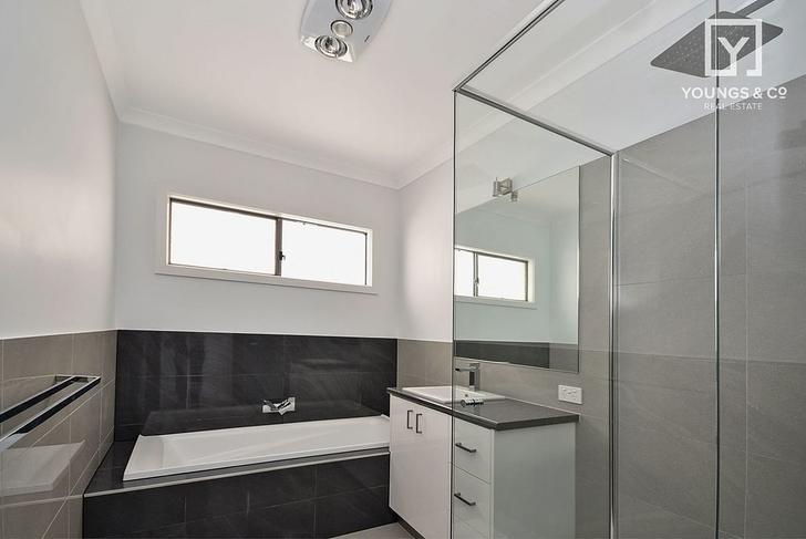 B78cfff198f81e216bca57e7 bathroom upstairs 2455 5e7abe952174c 1585102682 primary