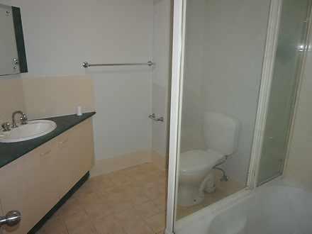 52b664cace3f607b9bf4cdb0 main bathroom 3358 5e7aec86752b9 1585114405 thumbnail