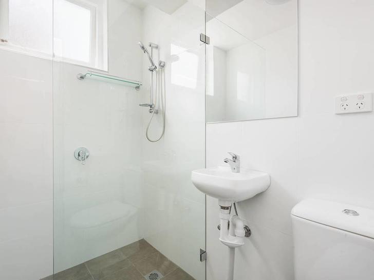 0529ba262817bcf3cc692f31 8 4 clifford   bathroom   web 1585190917 primary