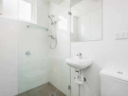0529ba262817bcf3cc692f31 8 4 clifford   bathroom   web 1585190917 thumbnail