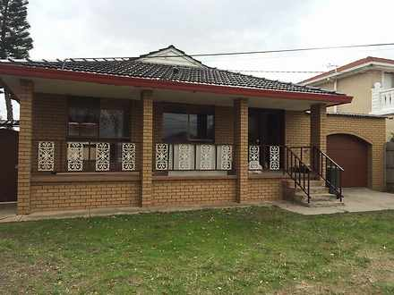 House - 14 Tintern Grove, S...