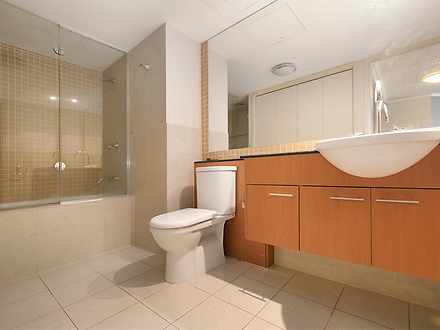 703   bathroom 1585270015 thumbnail