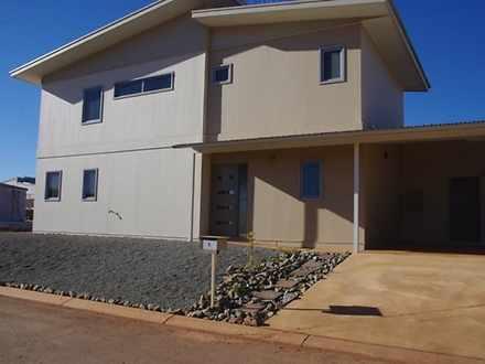 House - 2 Hibiscus Way, New...