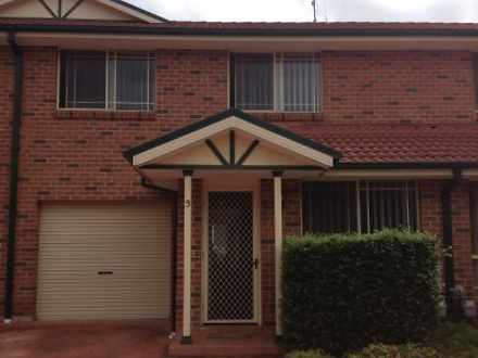 Townhouse - Quakers Hill 27...