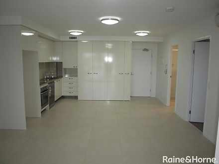 Apartment - 43 Lenneberg St...