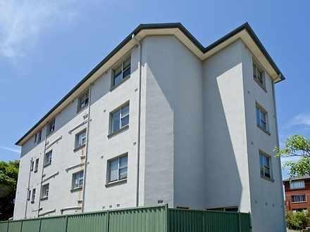 Apartment - 2/1 James Place...