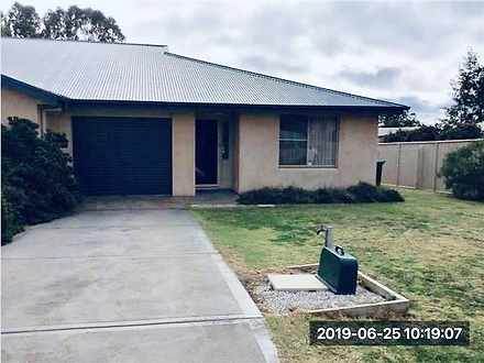 House - 2/5 Dunphy Crescent...